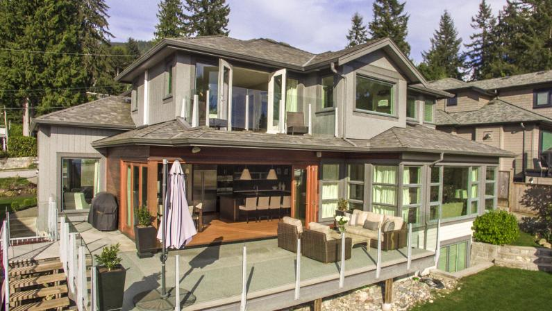 649 Sylvan Avenue, Canyon Heights NV, North Vancouver